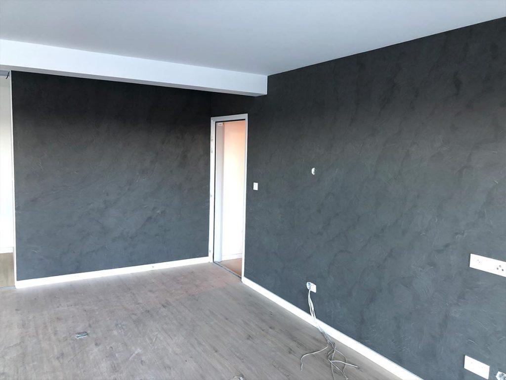 Murs gris anthracite en décoration murale